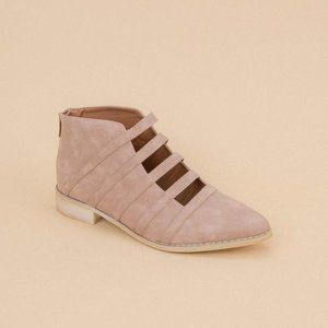 Mi.iM The Florence cut out ankle bootie flat 8.5